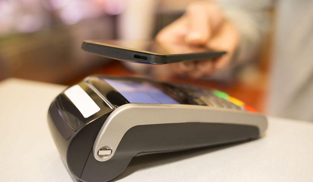 Contactloos betalen met uw telefoon: zo werkt het